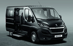 d couvrez le peugeot boxer combi transport jusqu 39 9 personnes. Black Bedroom Furniture Sets. Home Design Ideas