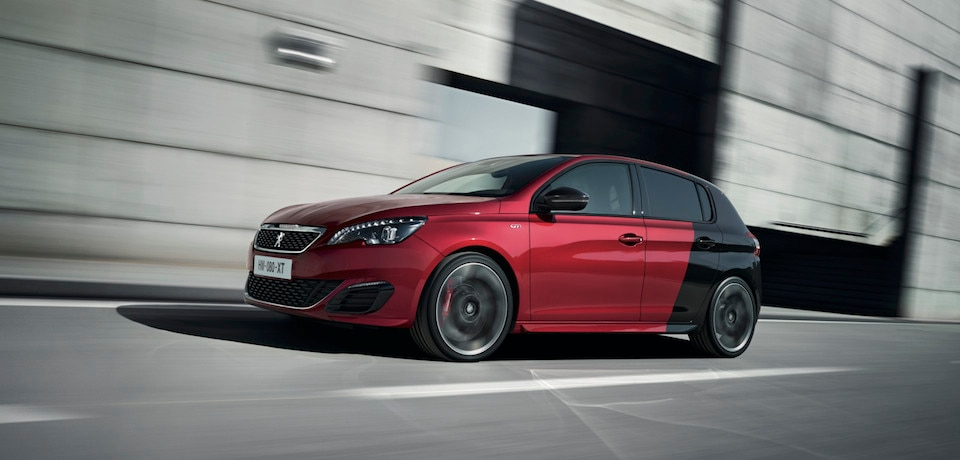 308 gti by peugeot sport essayez la compacte sportive ultime. Black Bedroom Furniture Sets. Home Design Ideas