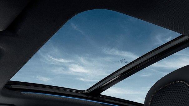 SUV PEUGEOT 3008  : toit panoramique