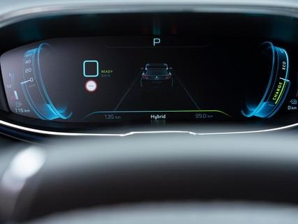SUV PEUGEOT 3008 HYBRID4 - combiné numérique