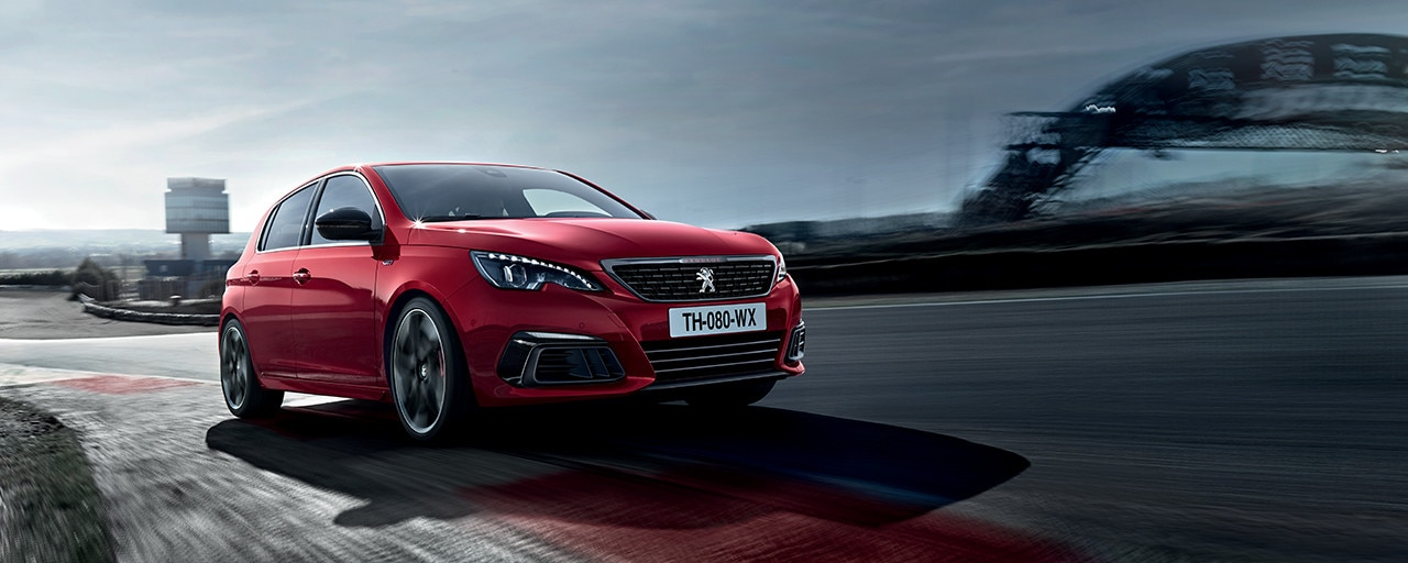 PEUGEOT 308 GTi by PEUGEOT SPORT style incisif, compacte sportive