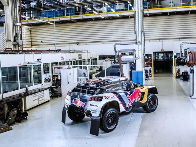 le dakar 2017 avec le team peugeot total. Black Bedroom Furniture Sets. Home Design Ideas