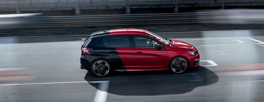 nouvelle peugeot 308 gti by peugeot sport d couvrez la compacte sportive par peugeot. Black Bedroom Furniture Sets. Home Design Ideas