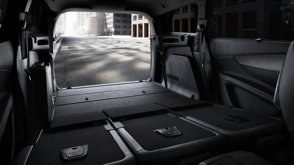 d couvrez le grand suv peugeot 5008 7 places gt. Black Bedroom Furniture Sets. Home Design Ideas