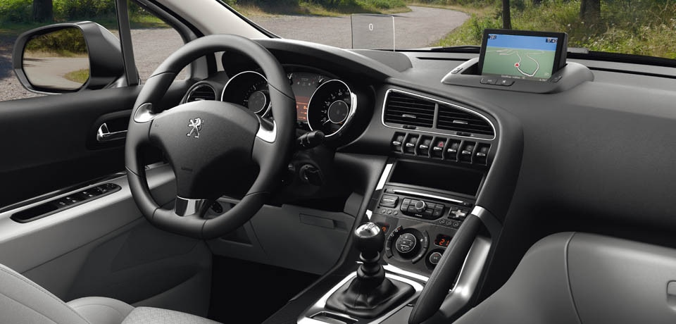 Design int rieur peugeot 3008 crossover monospace haut for Interieur 3008 allure