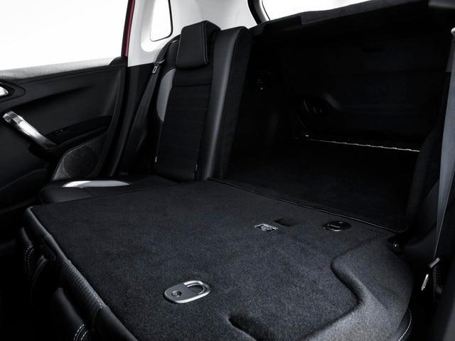 SUV PEUGEOT 2008 : coffre facile d'accès, volumineux et fonctionnel