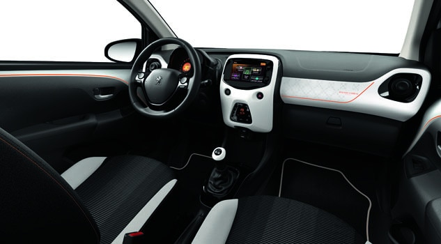 Peugeot 108 5 portes top design ext rieur et int rieur for Interieur peugeot 108