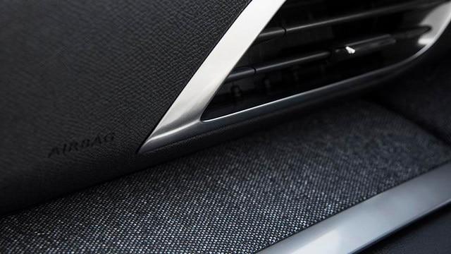 Nouveau SUV PEUGEOT 3008 : Décors textiles dans l'habitacle
