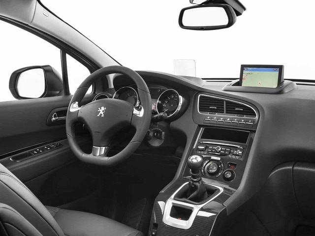 Design int rieur peugeot 5008 monospace familial et compact for Interieur 5008 2017