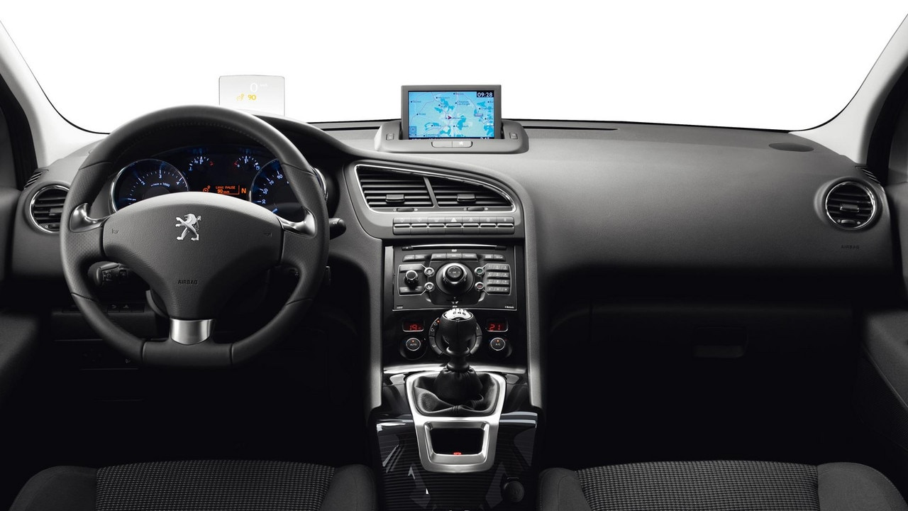 Design int rieur peugeot 5008 monospace familial et compact for Interieur 3008 allure
