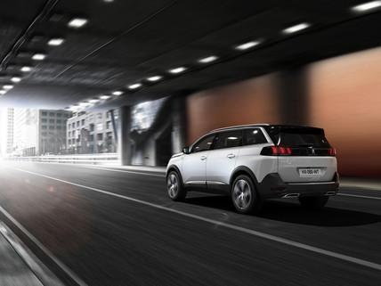 Peugeot_SUV_5008